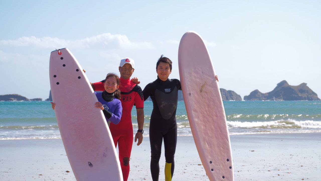 【限定】サーフィンスクール、サーフガイド付き半額宿泊プラン